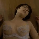 朝比奈祐未 服を脱いで黒パンストに包まれたプリケツを見せた後押し倒されて激しく擬似セックスする人妻