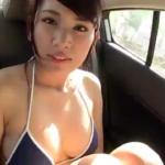 久松郁実 ビキニ姿で洗車するアイドル