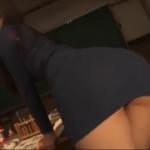佐々木麻衣 教室で発情し黒下着姿になるメガネの女教師