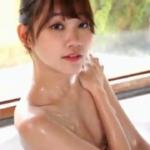 保崎麗 お風呂でビキニ姿でスレンダーボディを洗うアイドル