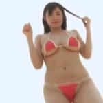 桜井木穂 下乳見えるビキニ姿でIカップバストを存分に揺らせるアイドル