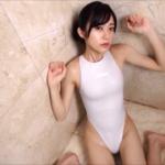 田中めい ハイレグの競泳水着を着るアイドル