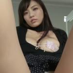 平塚奈菜 服を脱いで下着姿になるアイドル